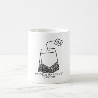"""Anti - chá"""" 'da soletração do tea party """"com um caneca de café"""