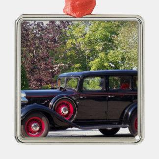 antique-car.jpg ornamento quadrado cor prata