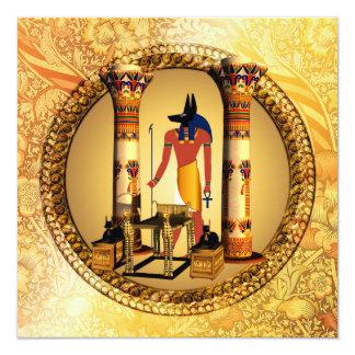 Anubis no fundo dourado convite quadrado 13.35 x 13.35cm