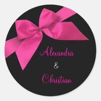 Anúncio cor-de-rosa RSVP do convite do casamento d Adesivos Em Formato Redondos