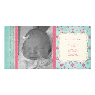 Anúncio floral cor-de-rosa do nascimento do cartão com foto