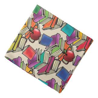 Apple com pilha de livro lenço