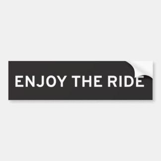 Aprecie o autocolante no vidro traseiro do passeio adesivo para carro