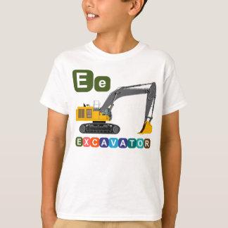 Aprendendo o alfabeto (letra E - MÁQUINA T-shirts