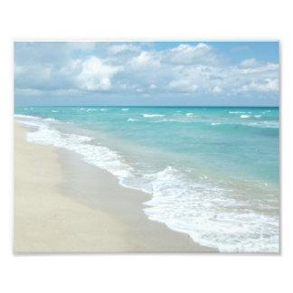 Areia extrema do branco da opinião da praia do foto artes