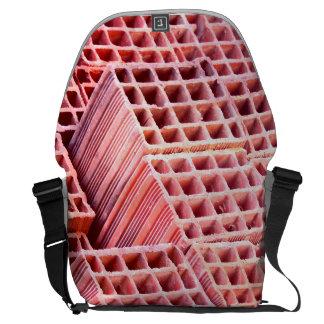 Arquivos vermelhos no saco bolsa mensageiro