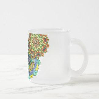 Arte da mandala - equilíbrio caneca de café vidro jateado
