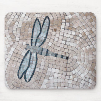 arte do azulejo de mosaico de uma libélula mouse pad