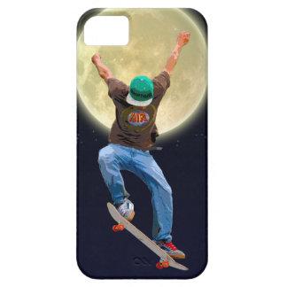 Arte dos esportes da ação do skater & da Lua cheia Capa Barely There Para iPhone 5
