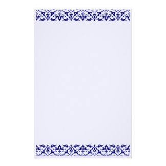 Artigos de papelaria customizáveis do laço roxo