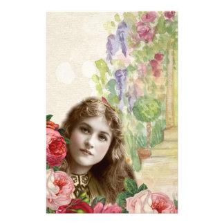 Artigos de papelaria florais da mulher dos rosas