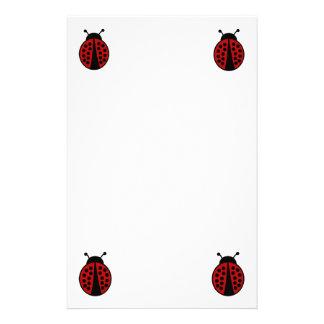 Artigos de papelaria simples do design do joaninha