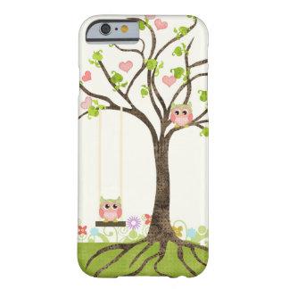 Árvore bonito lunática das corujas de redemoinhos capa iPhone 6 barely there