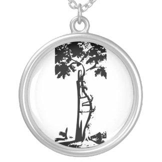 Árvore curvada ortopédica colar com pendente redondo