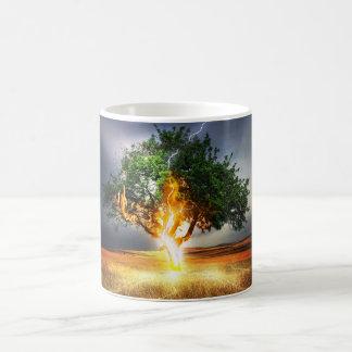 Árvore do relâmpago caneca