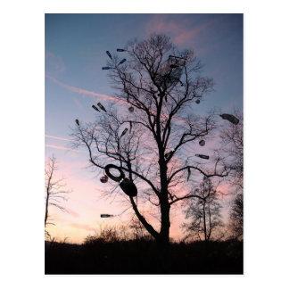 Árvore dos desperdícios cartão postal