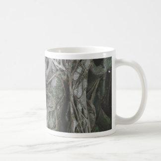 Árvore surpreendente caneca