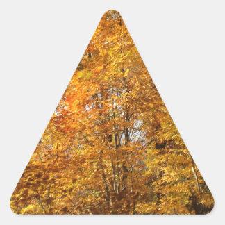 Árvores da queda adesivo triangular