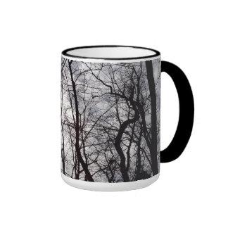 Árvores do Central Park no inverno Caneca Com Contorno