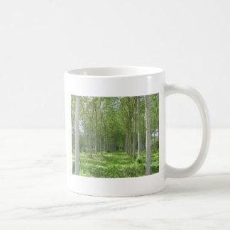 Árvores francesas caneca