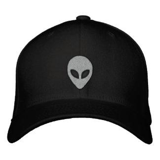 As cabeças estrangeiras bordaram o chapéu (parte boné bordado