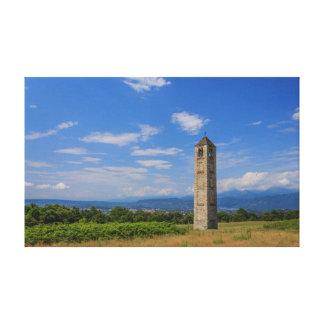 as CANVAS medievais solitários da torre de sino