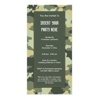 As forças armadas camuflam o convite de festas