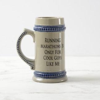 As maratonas Running são somente para caras legal Caneca De Cerveja