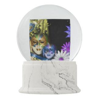 As máscaras Venetian do quinceanera do mascarada