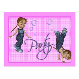 As meninas apenas querem ter o divertimento, parti cartões postais