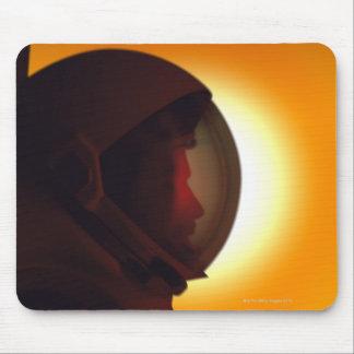 Astronauta protegido com capacete contra o Sun Mouse Pad