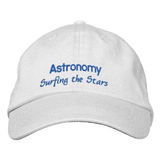 Astronomia que surfa as estrelas boné bordado