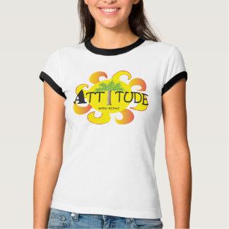 Atitude com t-shirt de Bling