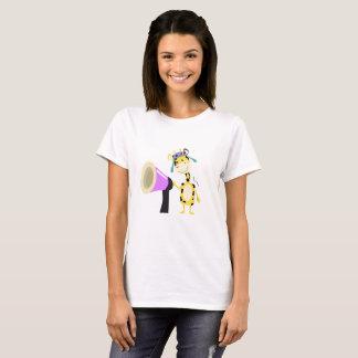 Auto-falante bonito do girafa camiseta