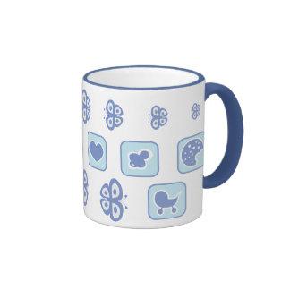 azuis bebés com o copo de chá da borboleta caneca com contorno