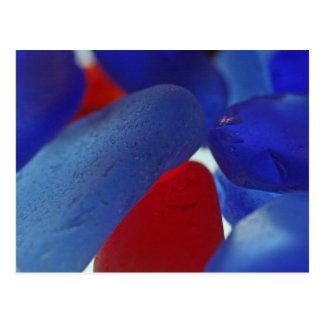 Azuis cobaltos e vermelho raros Seaglass Cartão Postal