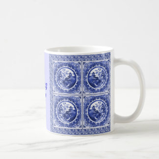 Azul e branco, eu estou sentindo azul! caneca de café