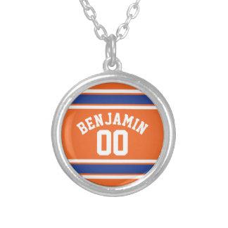 Azul e laranja ostenta o número conhecido feito colar com pendente redondo