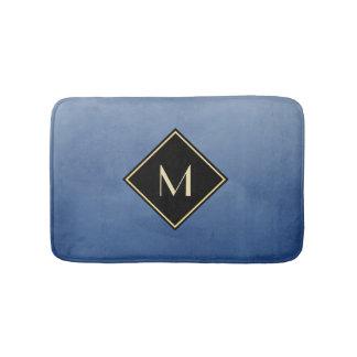 Azul escovado elegante com monograma simples do tapete de banheiro