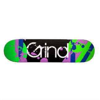 Azul verde roxo do skate da moagem dos grafites