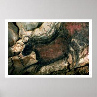 Balance a pintura de um touro preto, c.17000 BC (p Pôsteres