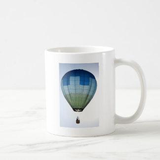 Balão de ar quente caneca de café