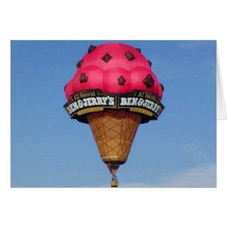 Balão de ar quente do cone do sorvete cartão comemorativo