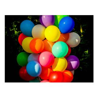 Balões coloridos do brinquedo cartão postal