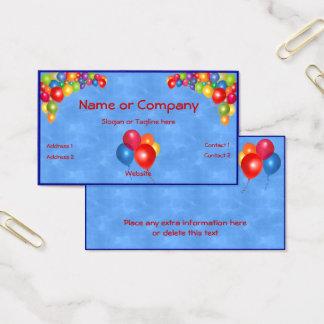 Balões coloridos no azul cartão de visitas