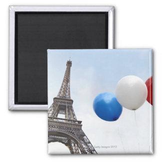 Balões nas cores da bandeira francesa dentro ímã quadrado