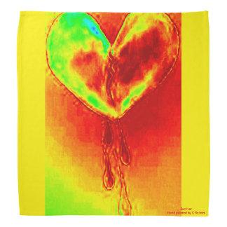 Bandana colorido do coração de sangramento