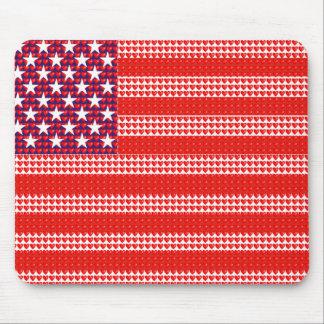 Bandeira americana criada com corações pequenos mousepads