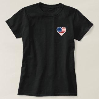 Bandeira americana dada forma coração camiseta