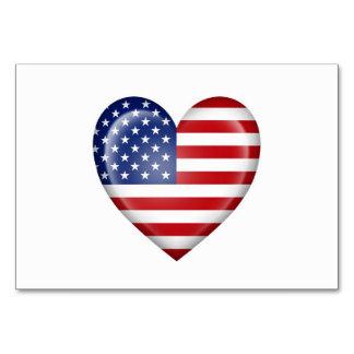Bandeira americana do coração no branco